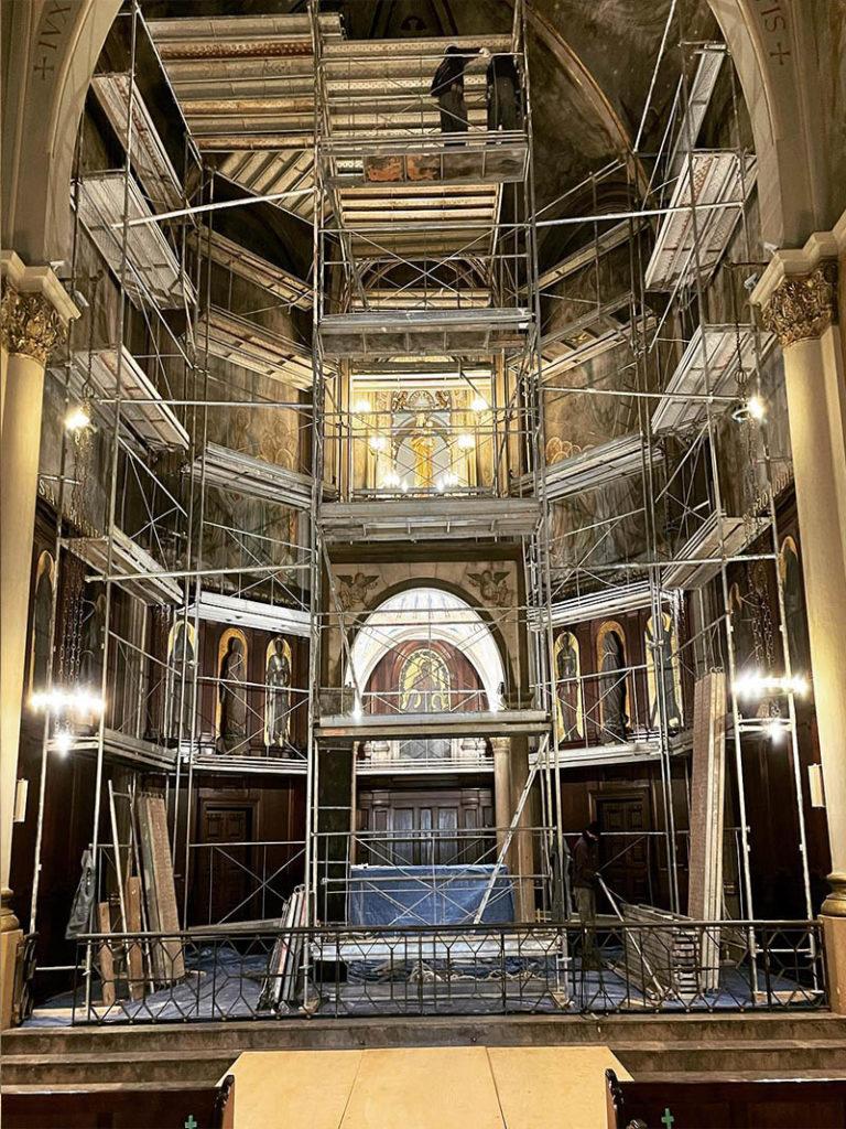 andamios reformas rehabilitacion construccion edificios viviendas iglesias barcelona cataluna sabadell