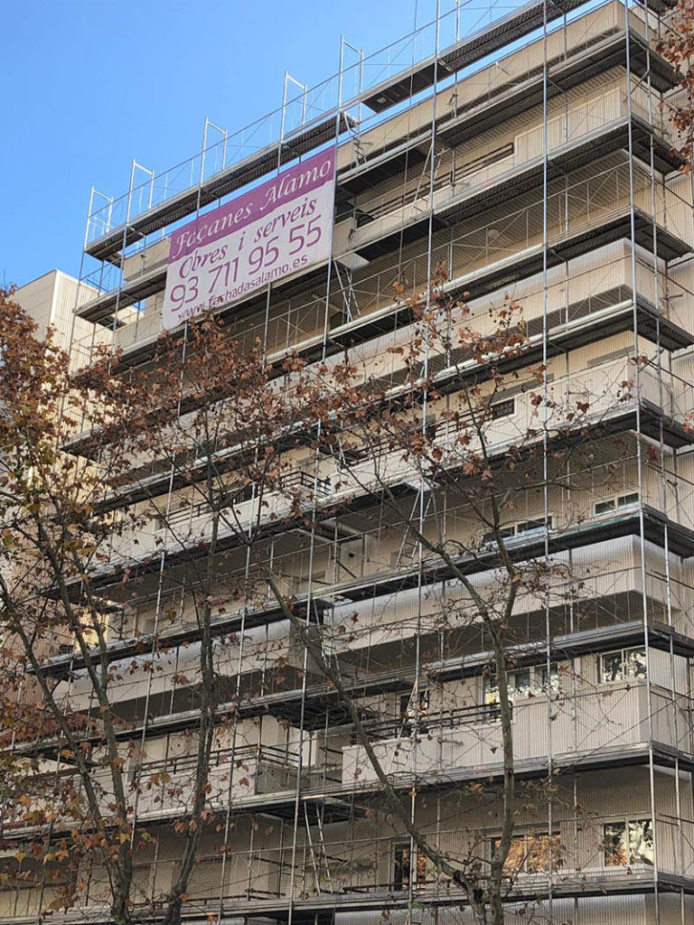 rehabilitacion fachadas alamo edificios andamios cataluna barcelona sabadell